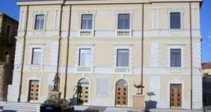 Palazzo-SantIppolito-sede-Comune-di-Gioia-Tauro-300x219