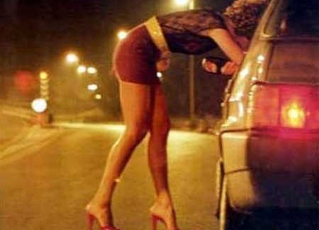 Sfruttamento della prostituzione, due arresti Denunciato a piede libero anche un 77enne per il medesimo reato