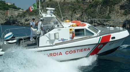 Soccorso veliero con migranti al largo della costa jonica Cinquantasei persone sono state intercettate e soccorse da personale della Guardia Costiera