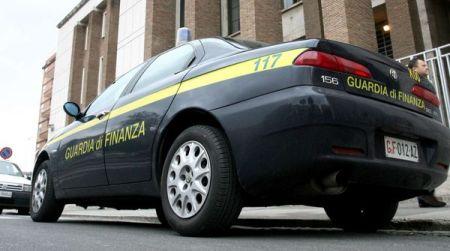 Trovato in possesso di quaranta dosi di cocaina: arrestato L'uomo è stato fermato dalla Guardia di Finanza