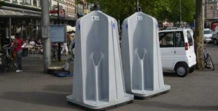 bagni pubblici allaperto