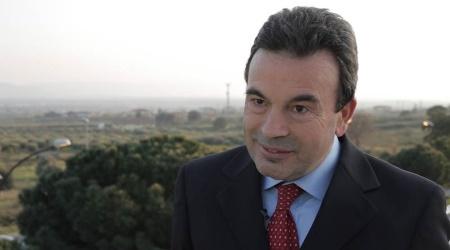 """Lamezia Terme, l'appello dell'ex sindaco Gianni Speranza """"Le firme dei cittadini per votare appena possibile"""""""