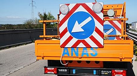 Lavori manutenzione, limitazioni notturne sulla A2 Provvedimento necessario per consentire il varo dei portali a messaggio variabile da installare lungo il tratto autostradale