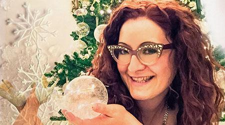 Rossella Regina annuncia un nuovo calendario di beneficenza Con gli auguri ai fans, l'ex Got talent lancia un nuovo progetto a favore della Ricerca