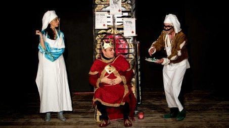 """La compagnia Dracma torna in scena con il """"Menù di Re Artù"""" Il tema dell'alimentazione affrontato con una moderna favola"""