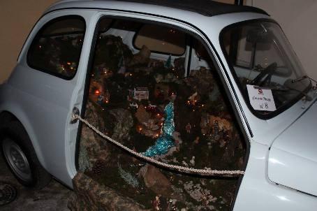 """Ecco le manifestazioni natalizie degli """"Amici del palco"""" Domani, a Taurianova, l'inaugurazione e l'apertura al pubblico della bellissima mostra di originali ed unici presepi napoletani"""