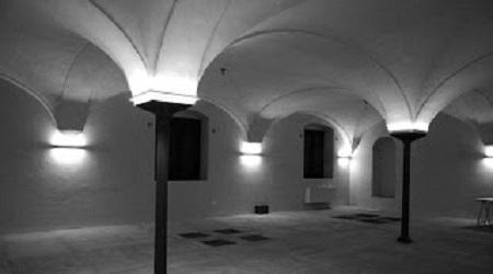 """Antichi magazzini di Gioia Tauro Continuano i """"viaggi"""" fotografici di Antonio Riefolo"""