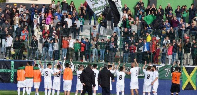 Calcio, serie D: Palmese-Aversa Normanna finisce 5 a 2 La squadra di Mario Del Torrione non si ferma più: playoff dietro l'angolo