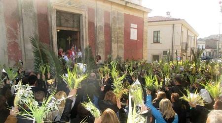 Domenica delle Palme nella tradizione calabrese Giornata che viene ricordata per il trionfale ingresso di Gesù in Gerusalemme prima della sua passione