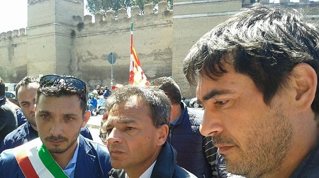 Conia a Roma con i lavoratori del porto di Gioia Tauro Il sindaco di Cinquefrondi presente alla trattativa sugli esuberi che si è tenuta presso il Ministero delle Infrastrutture