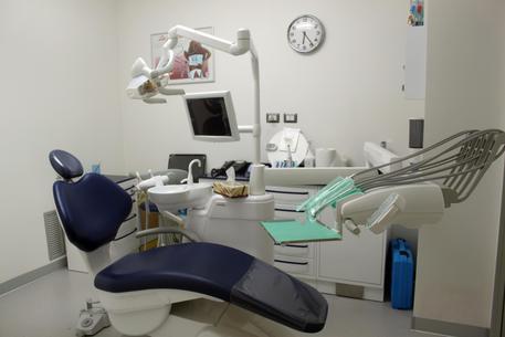 Medico Asp apre studio privato, denunciato Un medico dell'Asp di Catanzaro è stato denunciato per truffa aggravata dalla Guardia di finanza di Lamezia Terme