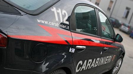 Investe Carabiniere ad un posto di blocco, arrestato L'uomo, nonostante un decreto di sospensione patente, era alla guida di un'auto. Dopo un tentativo di fuga è stato fermato dagli uomini dell'Arma