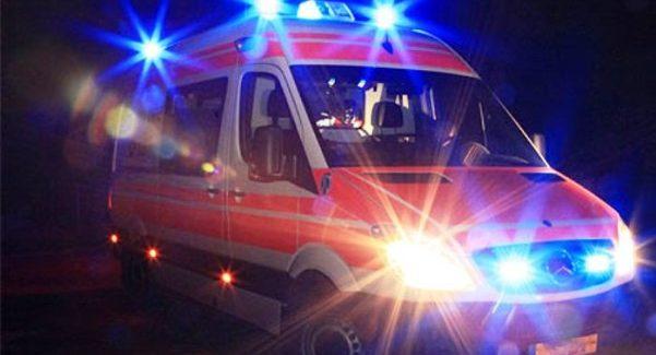 Finisce fuori strada con auto, muore donna 35enne Fortunatamente illesi i due figli piccoli che si trovavano con lei