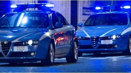Polizia di Stato, notificato un decreto di espulsione Emessi anche due provvedimenti di avviso orale a carico di un 35enne residente a Melito di Porto Salvo e nei confronti di un 65enne residente a San Luca