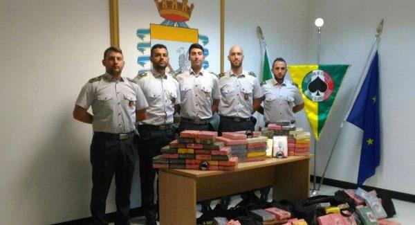 Sequestro cocaina purissima al porto di Gioia Lo stupefacente è stato rinvenuto all'interno di due distinti container