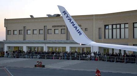 Il 28 novembre riapre struttura aeroportuale Crotone Lo ha reso noto Arturo De Felice, presidente ed amministratore delegato della Sacal. Il commento della politica