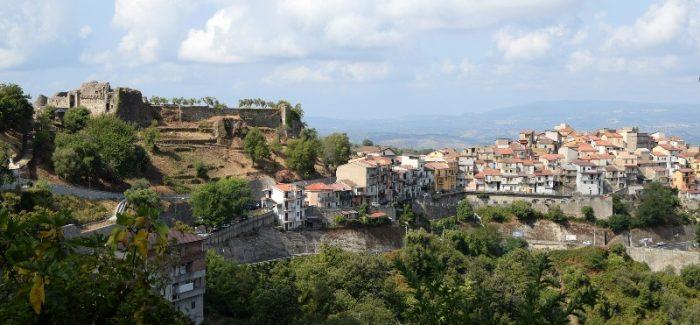 Il castello di Arena Ecco le suggestive immagini di Antonio Riefolo