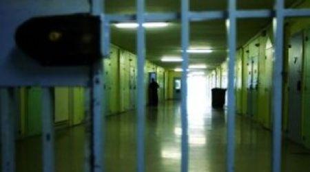 Calabria, detenuto aggredisce agenti Polizia Penitenziaria Quattro di loro hanno riportato contusioni. La denuncia del Sappe