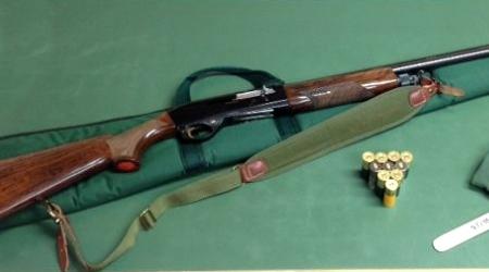 Carabinieri Forestali denunciano ventenne reggino Il giovane è stato sorpreso a cacciare all'interno del Parco Nazionale dell'Aspromonte. Sequestrate armi e munizionamento