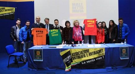 Piera Aiello incontra gli studenti del Piria di Rosarno E' stata la prima testimone di giustizia in Italia