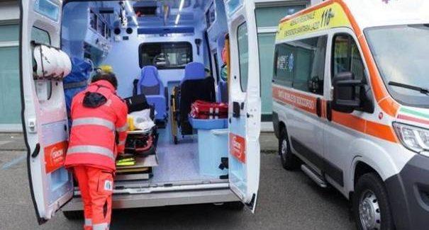Calabria, infermiere muore in un incidente stradale L'uomo ha perso la vita in uno scontro frontale tra due auto. Una donna è rimasta ferita ma non è in condizioni gravi