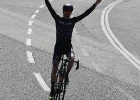 Ciclismo, Salvatore Albanese trionfa a Pellaro Il corridore di Scroforio vince in volata il terzo Memorial Salvatore Meduri