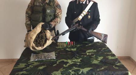 Carabinieri alla ricerca di armi e droga, due arresti Sequestrati circa due chili e mezzo di marijuana, un fucile a canne mozze e munizioni
