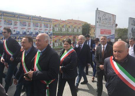 Ripristino ponte fiumara Allaro, protesta sindaci Locride Manifestazione per sollecitare una mobilitazione istituzionale. Il commento della politica