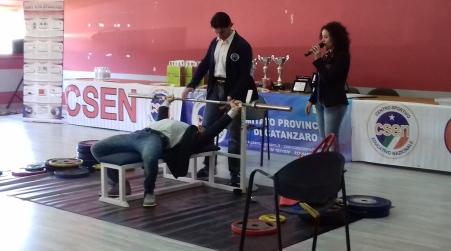 Successo per campionati Bench Press e Dead Lift Sono andati in scena presso il teatro Otto Ciclisti Lametini della Fondazione Mediterranea Terina Onlus a Lamezia Terme