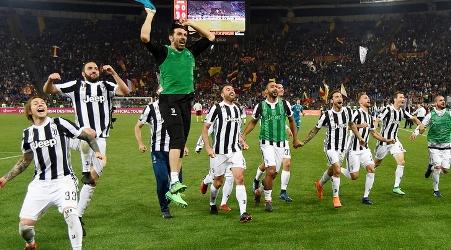 Calcio serie A: la Juventus è nel mito La squadra bianconera si aggiudica il settimo tricolore consecutivo