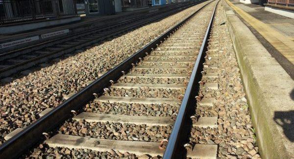 Tragedia a Brancaleone: morti due bambini dopo esser stati investiti da un treno La madre dei ragazzi è rimasta ferita in modo grave ed è ricoverata in prognosi riservata
