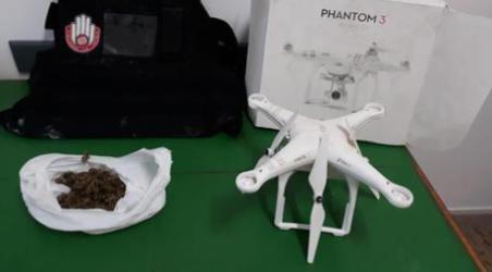 Sequestro marijuana e drone in un casolare disabitato I Carabinieri hanno trovato anche un giubbotto antiproiettile durante la perquisizione