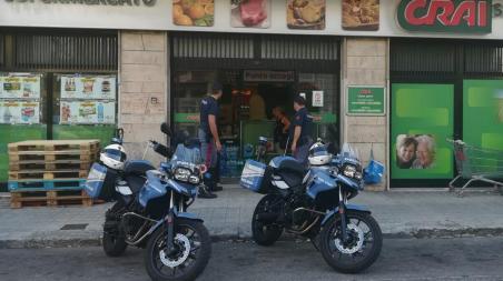 Reggio, 3 arresti della Polizia in 12 ore Il primo a seguito di una rapina nel supermercato Crai, il secondo per violenza e minacce e il terzo per aver ferito il fratello
