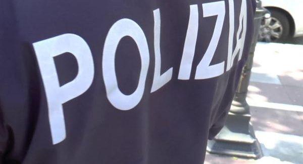 Far west in Calabria, controlli e arresti dopo sparatoria Risposte immediate della Polizia dopo l'esplosione di alcuni colpi di arma da fuoco contro auto e negozi