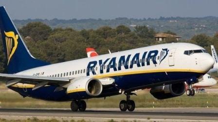 Anche i neonati in viaggio con Ryanair pagheranno il biglietto Venticinque euro per stare vicini a mamma e papà