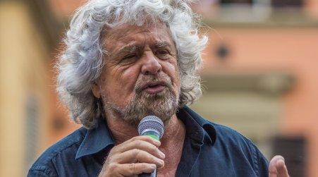 Beppe Grillo in arrivo in Calabria per 4 tappe del tour Verso il tutto esaurito a Corigliano e Rende, ancora molti biglietti disponibili a Catanzaro e Reggio