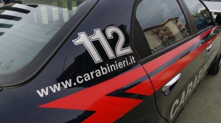 Trentenne minaccia suicidio, desiste grazie all'intervento dei Carabinieri La sorella dell'uomo nei giorni scorsi aveva tentato di togliersi la vita lanciandosi dal balcone della propria abitazione