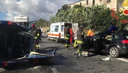 Scontro tra due auto sulla statale 280: sei persone ferite Quattro di loro sono in gravi condizioni