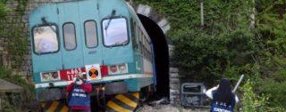 Calabria, estintore sui binari: treno regionale costretto a fermarsi