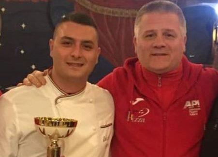 """Il pizzaiolo sangiorgese Luigi Raco premiato a Scalea Si è classificato al secondo posto come miglior pizza nel concorso """"L'Italia in pizza Calabria"""""""