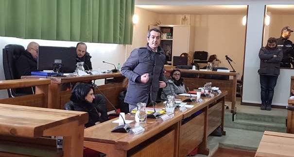 Taurianova, Consiglio comunale al freddo e al gelo Contestate dalla minoranza le infinite relazioni annuali della Giunta