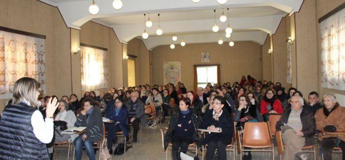 """I """"gifter"""", alto potenziale da gestire per non disperderlo Centinaia di docenti a Gioia per il seminario della prof.ssa Zanetti, organizzato dalla scuola Pentimalli"""