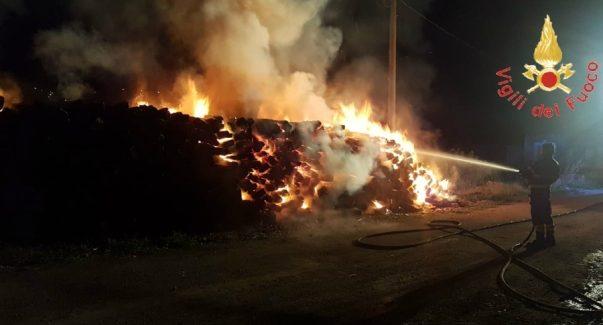 Catanzaro, incendio nel cantiere della metropolitana Intervento dei Vigili del Fuoco