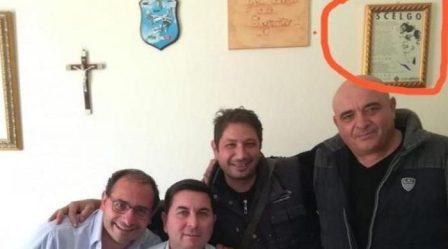 Giuramento Ss Italiane a Condofuri, interviene Prefetto Il sindaco Tommaso Iaria ha rimosso il quadro dal suo ufficio. La condanna della politica calabrese