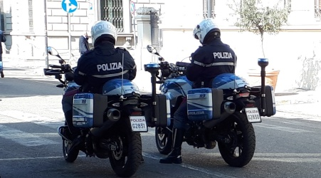 Furto di uno scooter, intervento della Polizia di Stato Acquisite le immagini delle telecamere per identificare gli autori