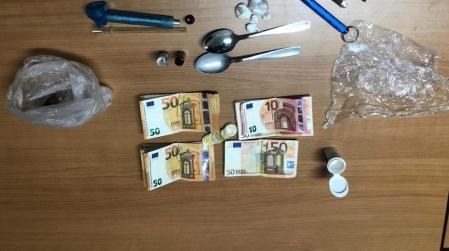 Viaggiava in auto con droga, arrestato dai Carabinieri Servizio degli uomini dell'Arma mirato al contrasto della detenzione di sostanze stupefacenti