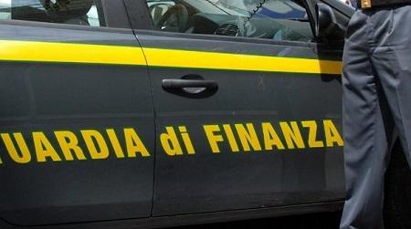 """Guardia Finanza sequestra prodotti contraffatti e pericolosi Attività dei """"baschi verdi"""" finalizzata al contrasto della contraffazione dei marchi"""