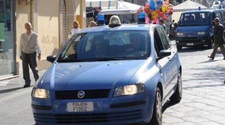 Ex poliziotto in auto con mannaia macellaio: denunciato L'uomo è stato sottoposto a trattamento sanitario obbligatorio