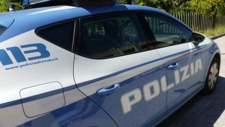 Violenza privata e lesioni alla convivente: arrestato 49enne L'uomo è stato bloccato dalla Polizia di Stato