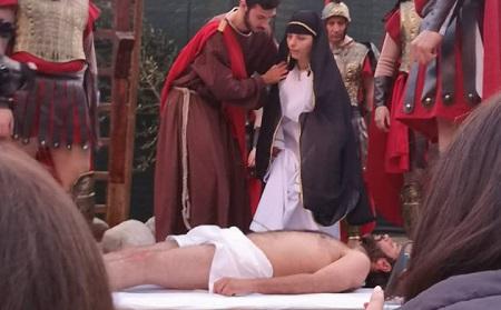 A San Martino sesta edizione della Via Crucis vivente Splendida interpretazione nella popolosa frazione di Taurianova